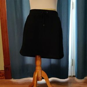 XL black skort